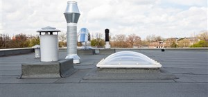5 Sure Signs that Your Flat Roof Needs Maintenance