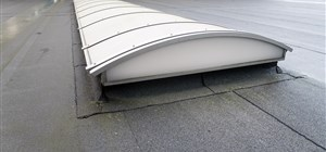 When to Choose Flat Roof Replacement Over Repair